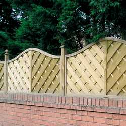 Hampshire Omega Top Fence Panel